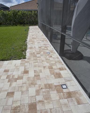 Custom Walkways   Brick Pavers